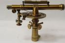 Нивелир-теодолит на баксе с горизонтальным лимбом. Зап. Европа, 1840-60-е гг.